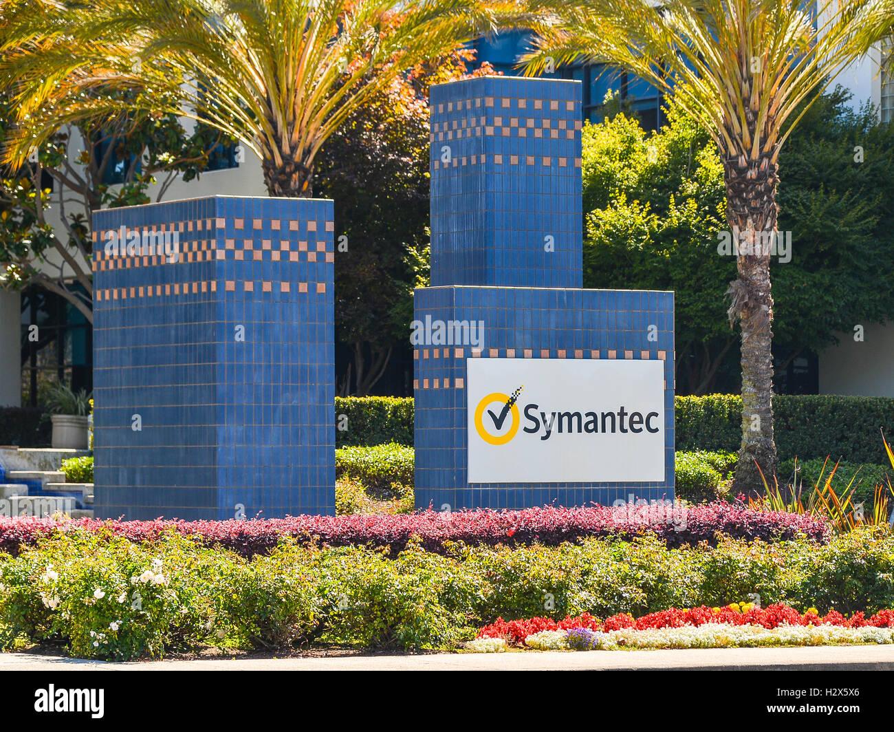 Mountain View, CA - 24 Jul, 2016: Symantec Corp. campus. La compañía produce software de seguridad, dispositivos Imagen De Stock