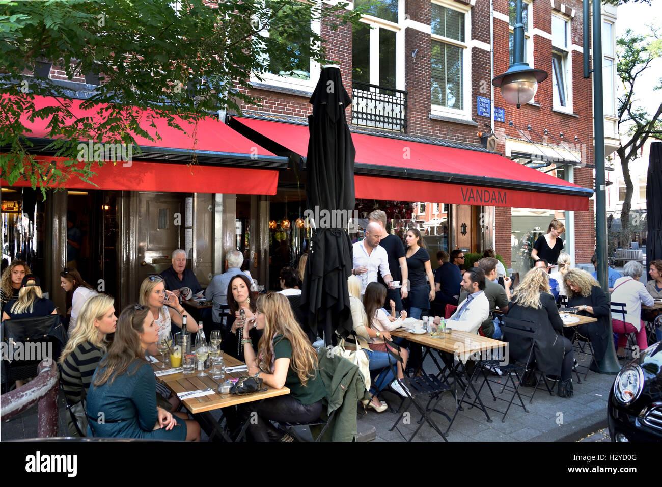 Restaurante Brasserie francesa Van Dam Cornelis Schuytstraat Oud Zuid holandés Amsterdam Países Bajos Foto de stock