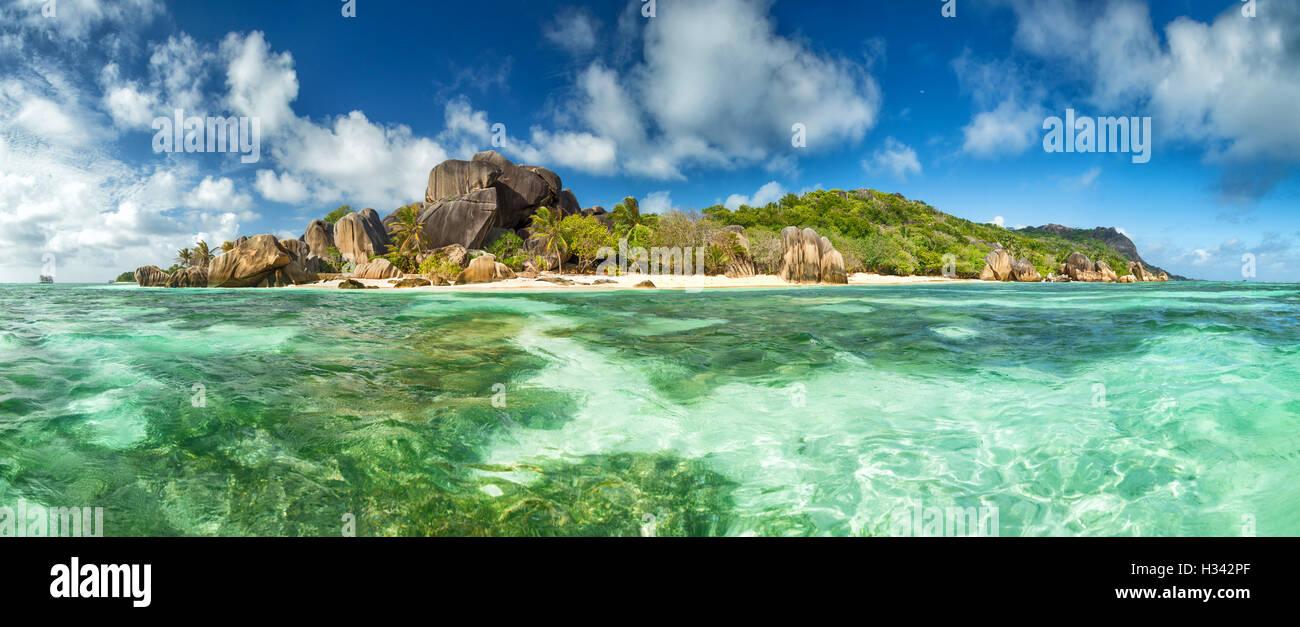 Hermosa playa tropical de Seychelles Anse Source D Argent En La Digue island Imagen De Stock