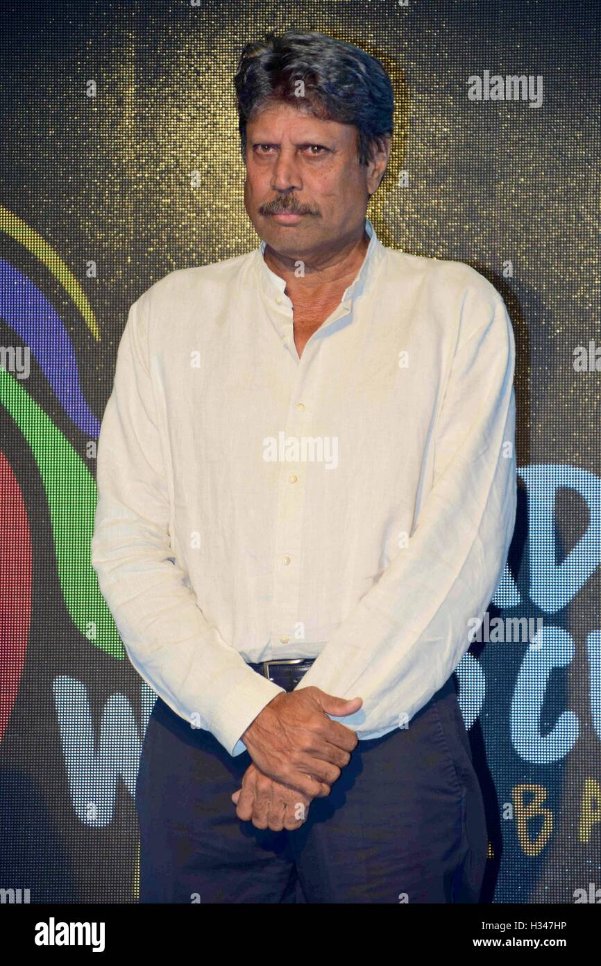 El ex jugador de cricket indio Kapil Dev durante el anuncio de Indian Dream Team para el 2016, la Copa Mundial de Imagen De Stock