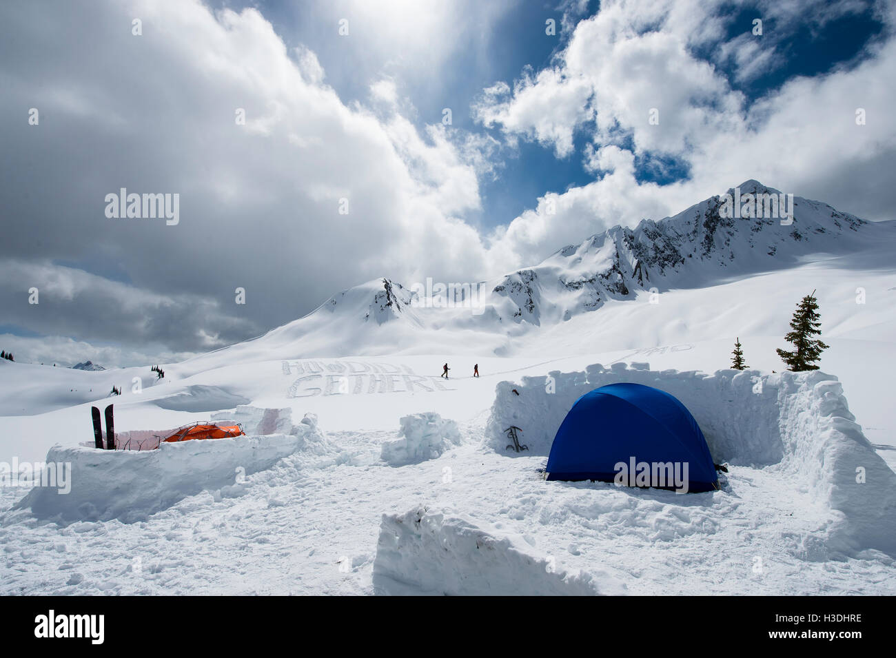 Expedición de snowboard campamento base en Canadá Imagen De Stock