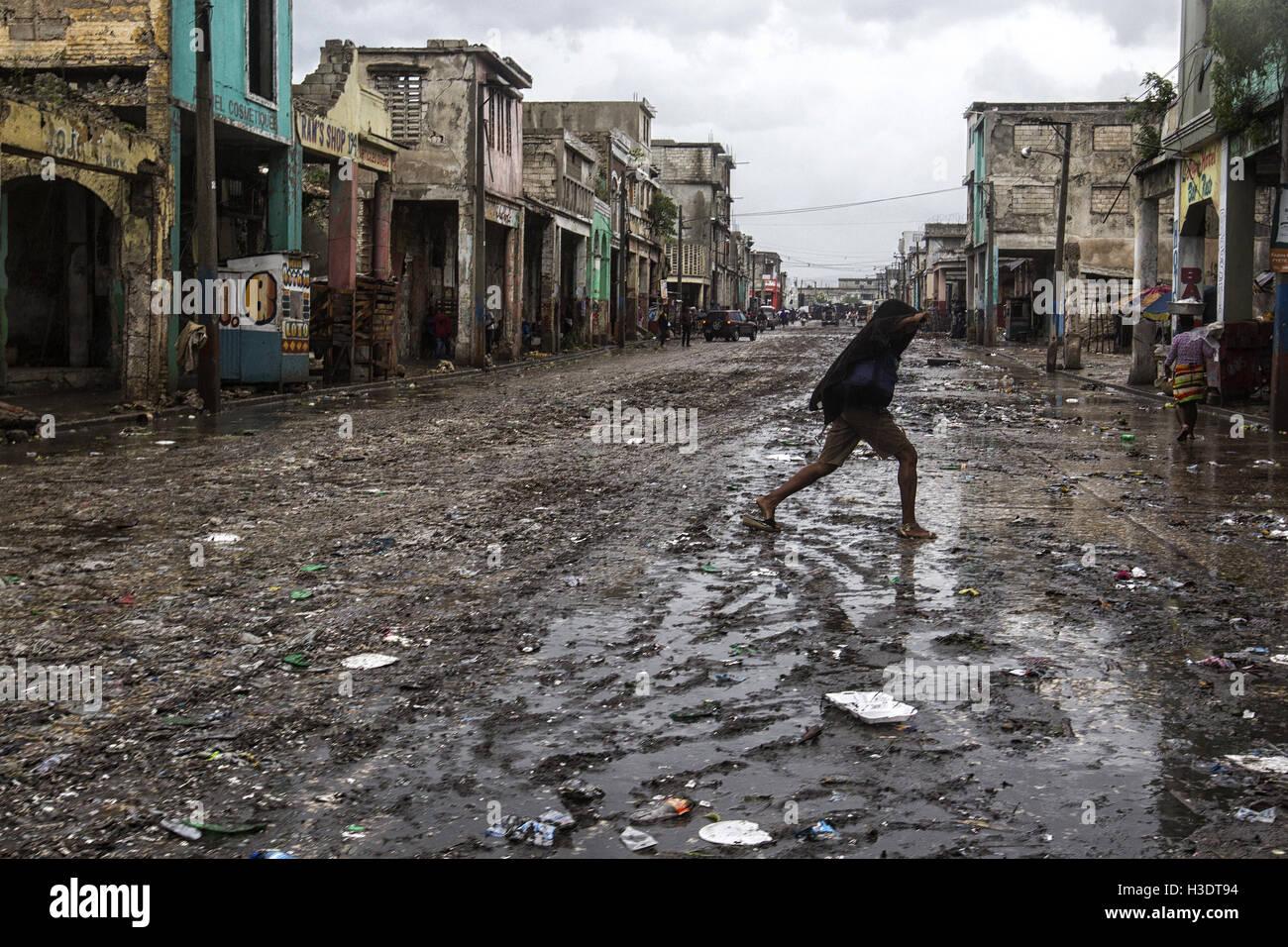 (161006) - PORT-AU-PRINCE, el 6 de octubre de 2016 (Xinhua) -- la imagen proporcionada por el Fondo de las Naciones Imagen De Stock