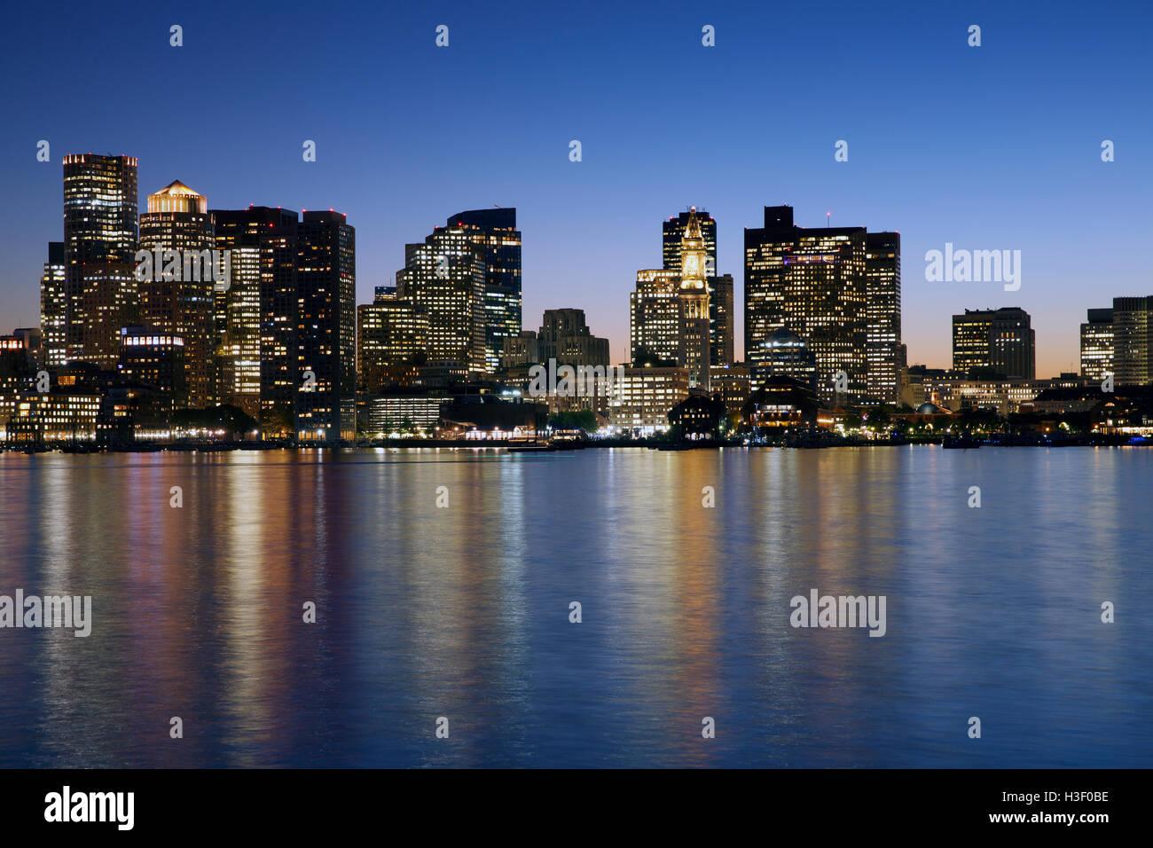 Horizonte de Boston Harbor Imagen De Stock