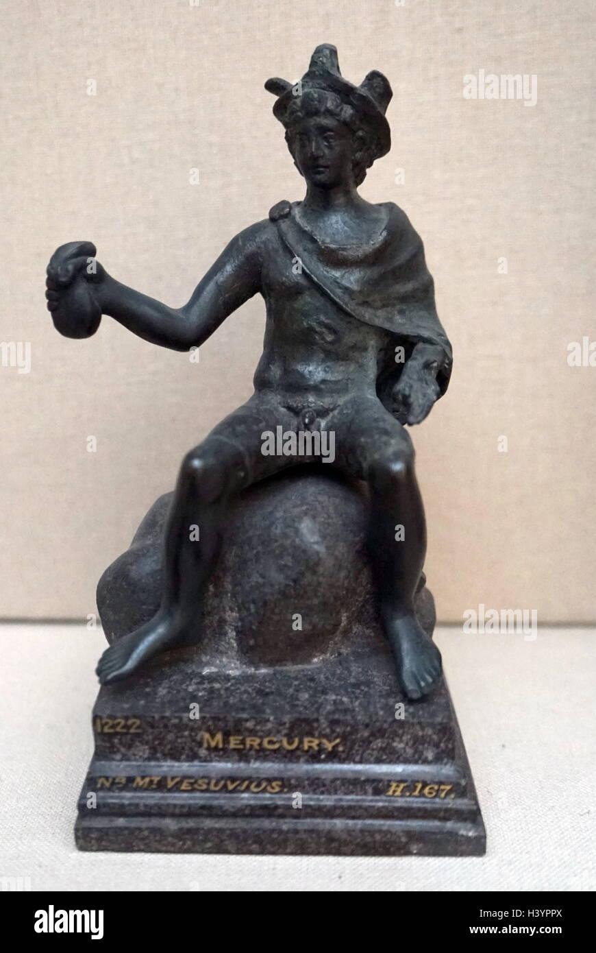Siglo I Ac Estatuilla En Bronce Que Representa Al Dios Romano