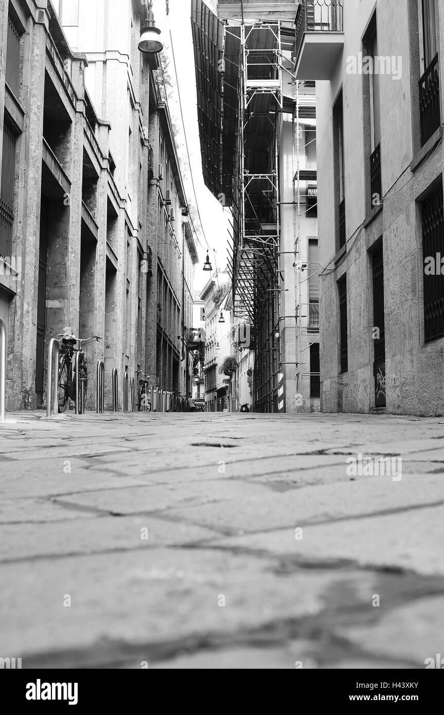 Italia, Milán, Lane, b/w, Imagen De Stock