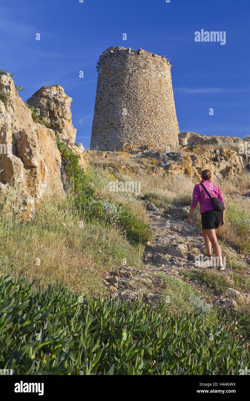 Francia, Córcega, L'Ile Rousse, torre, mujer, vista posterior, Imagen De Stock