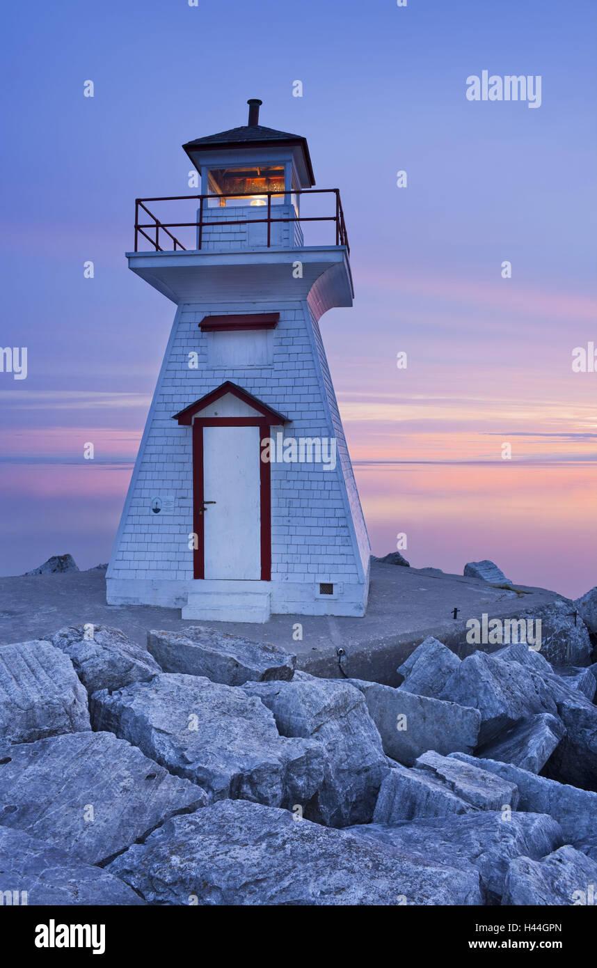 Canadá, Ontario, Bruce Península, cabeza de león, el faro, la tarde humor Foto de stock