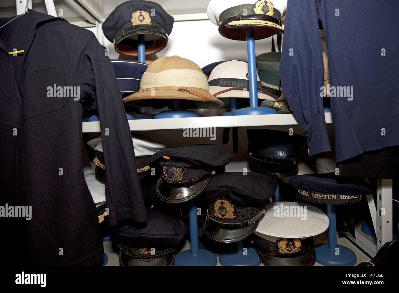 402df9cf51f35 Caps And Hats Imágenes De Stock   Caps And Hats Fotos De Stock - Alamy