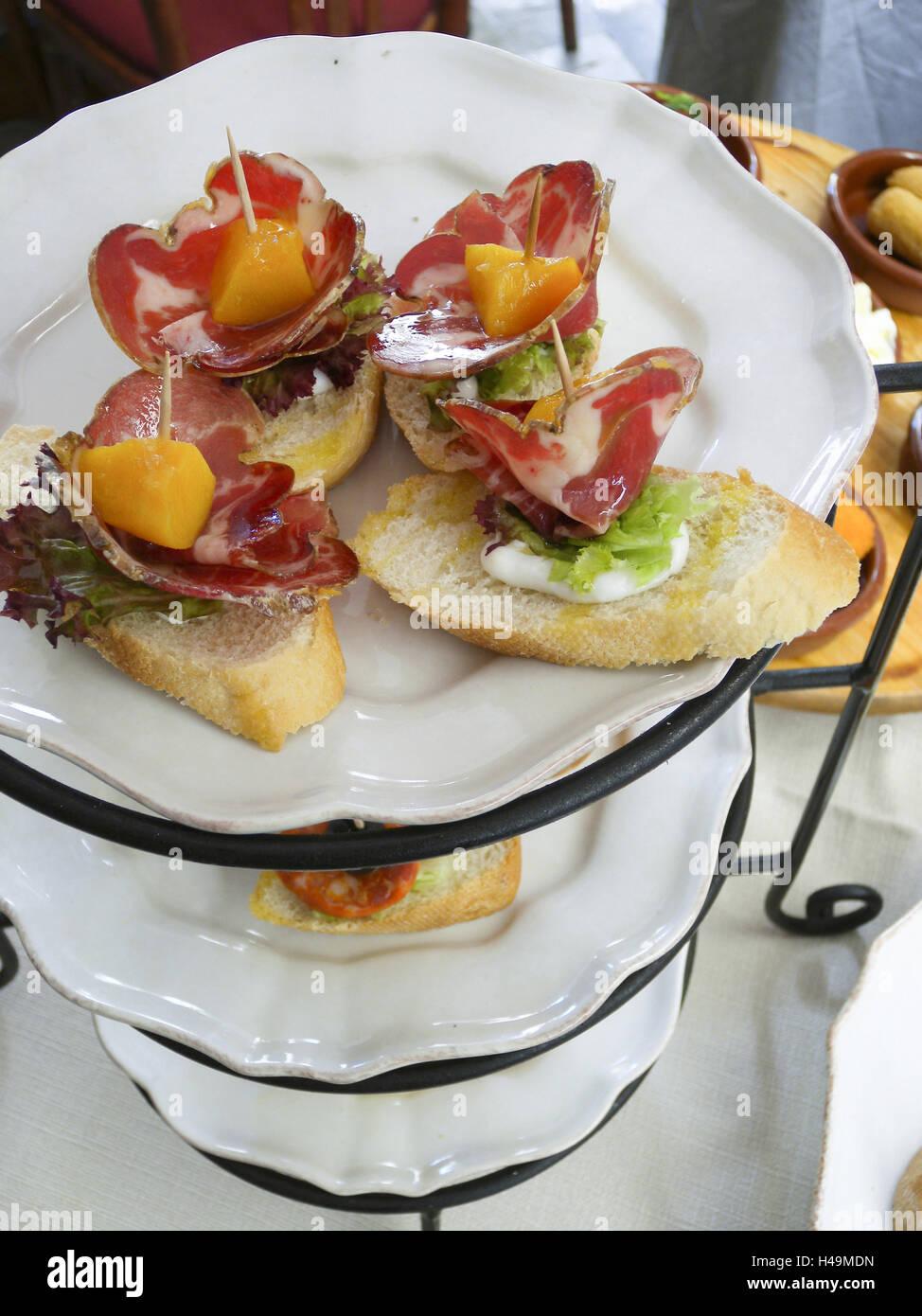 Etagere con tapas, aperitivos, comida, Mallorca, España Imagen De Stock