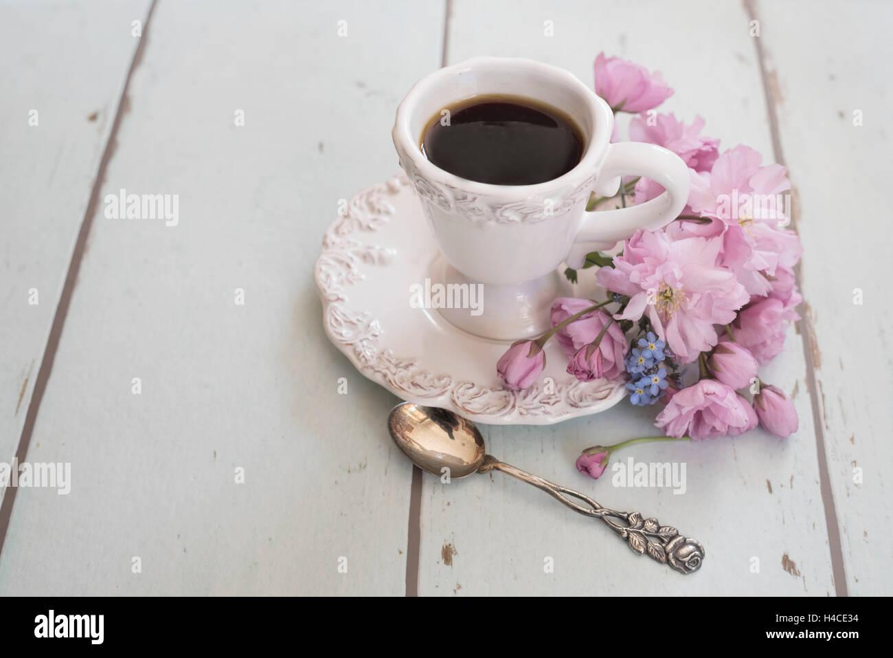 Arreglo Floral Con Taza De Café Café Plata Blanca Pequeña