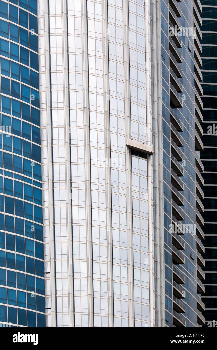 Una cuna de limpieza en el lateral de un edificio alto en Chicago, Estados Unidos. Imagen De Stock