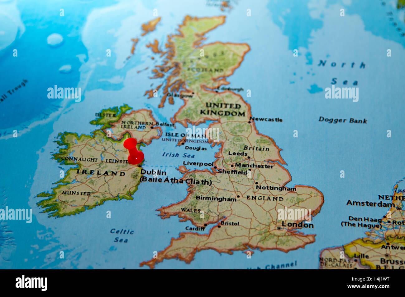 irlanda mapa europa Dublín, Irlanda anclado en un mapa de Europa Foto & Imagen De  irlanda mapa europa