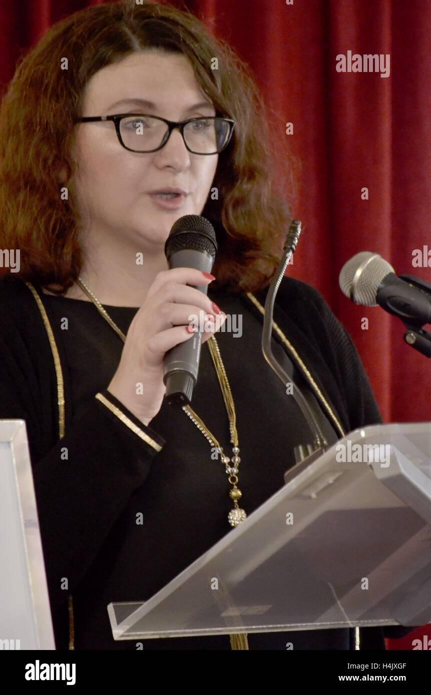 La celebración del Día de los docentes en POSK organizado por ZNPZ breve discurso, lea la carta de la Imagen De Stock