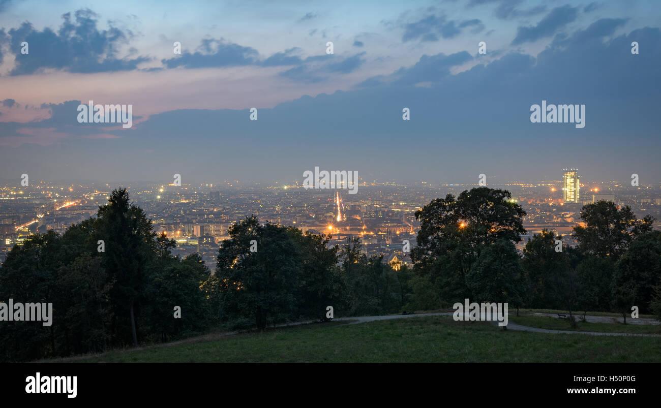 Turín (Torino) Panorama de las colinas Foto de stock