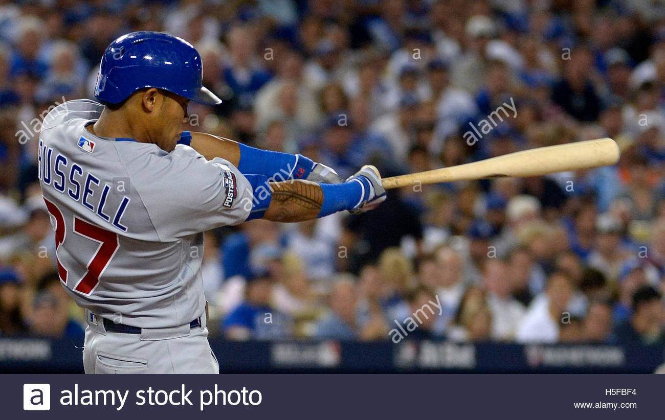 Los Angeles, California, EEUU. 20 Oct, 2016. Chicago Cubs' Addison Russell golpea un home run de dos contra Imagen De Stock