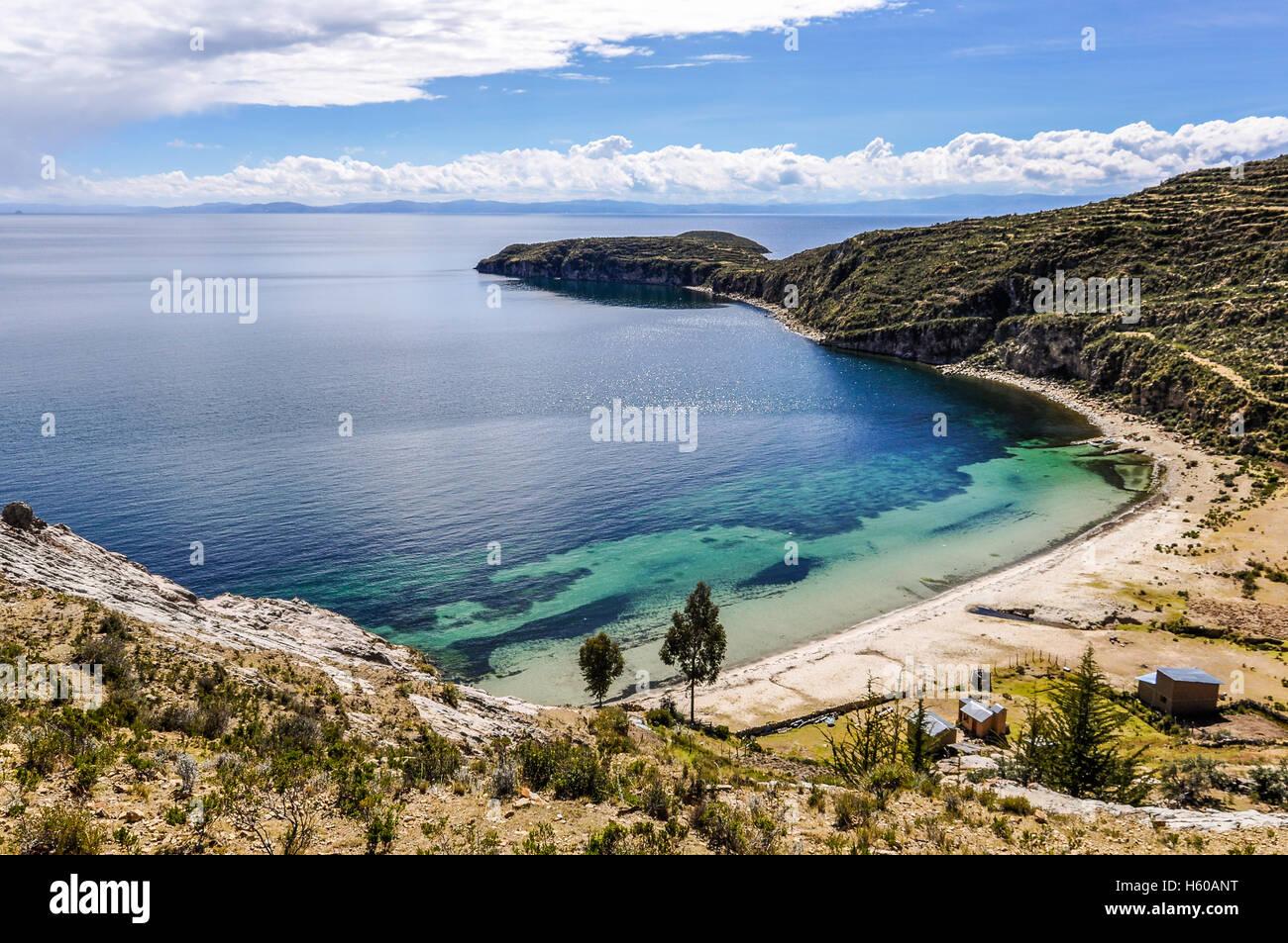 Playa en la Isla del Sol en el Lago Titicaca en Bolivia Imagen De Stock