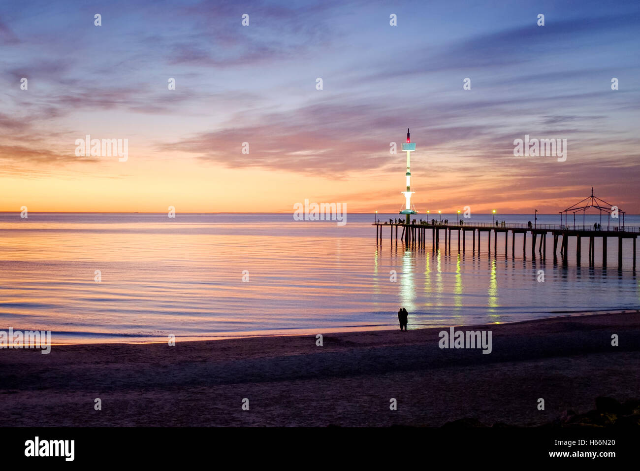 Adelaida del atardecer en la playa de Brighton, Adelaida Australia Foto de stock