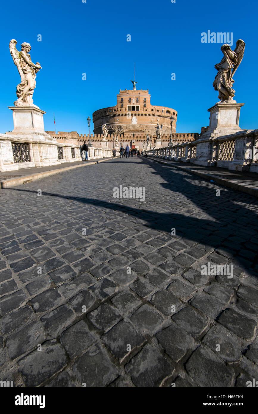 El Castel Sant'Angelo o Mausoleo de Adriano, Roma, Lazio, Italia Foto de stock