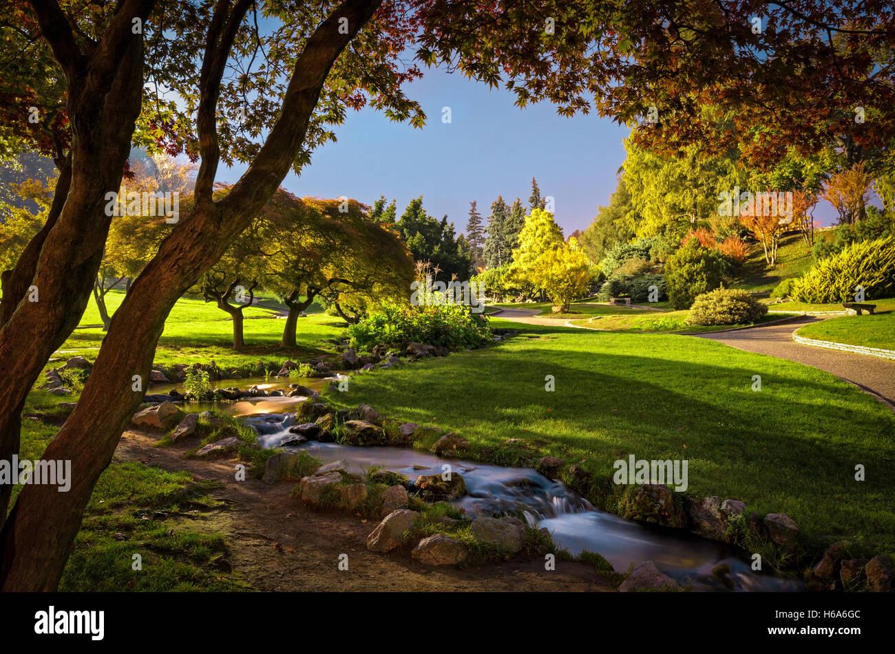 Turín (Torino) Giardino Roccioso en el Parque Valentino Foto de stock