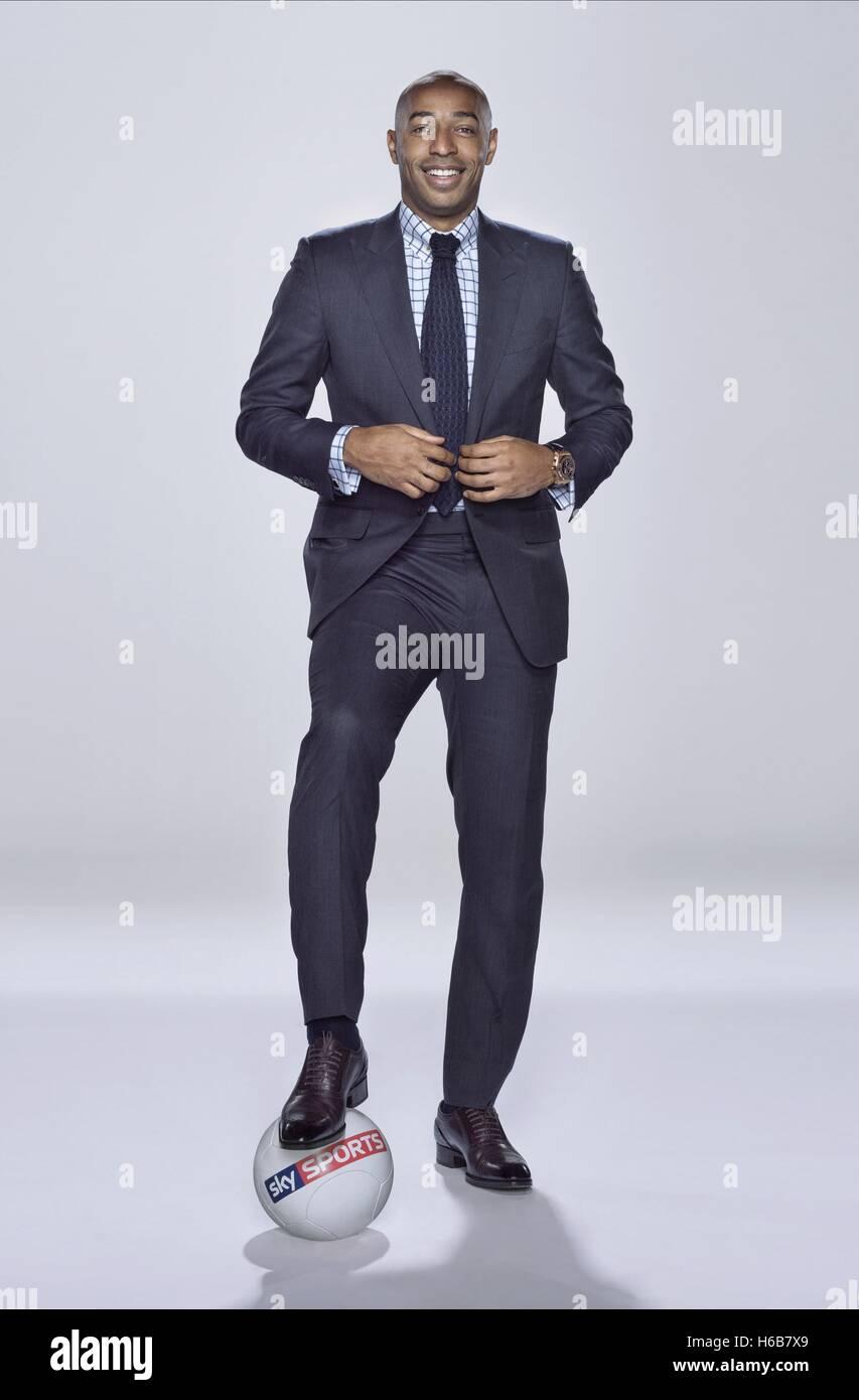 THIERRY HENRY SKY Sports presentador (2014) Imagen De Stock