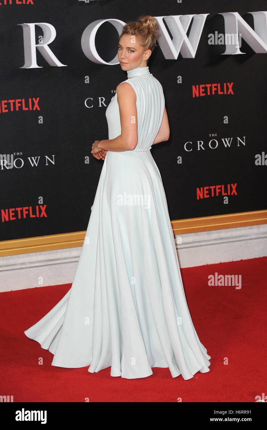Londres, Reino Unido, Reino Unido. 1 nov, 2016. Vanessa Kirby asiste al estreno mundial de 'La Corona' en Imagen De Stock
