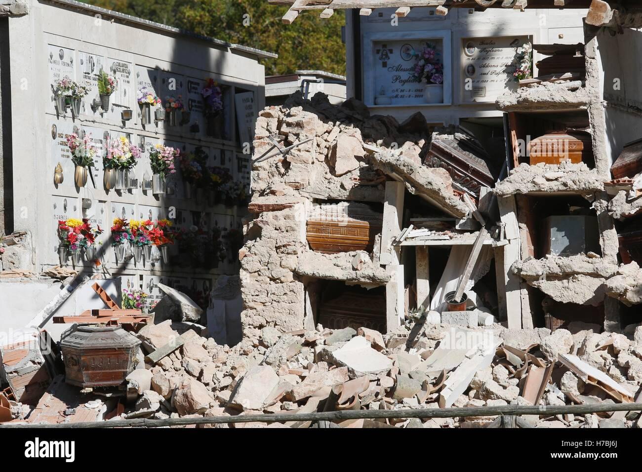 Norcia (Perugia) terremoto de magnitud 6.5 sacudió el centro de Italia el domingo 30 de octubre, sin causar víctimas, Foto de stock
