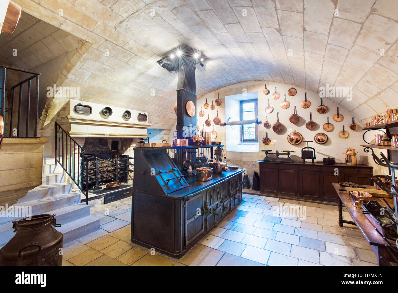 La cocina principal del Chateau de Chenonceau, cerca del pueblo de Chenonceaux, en el Valle del Loira en Francia Imagen De Stock