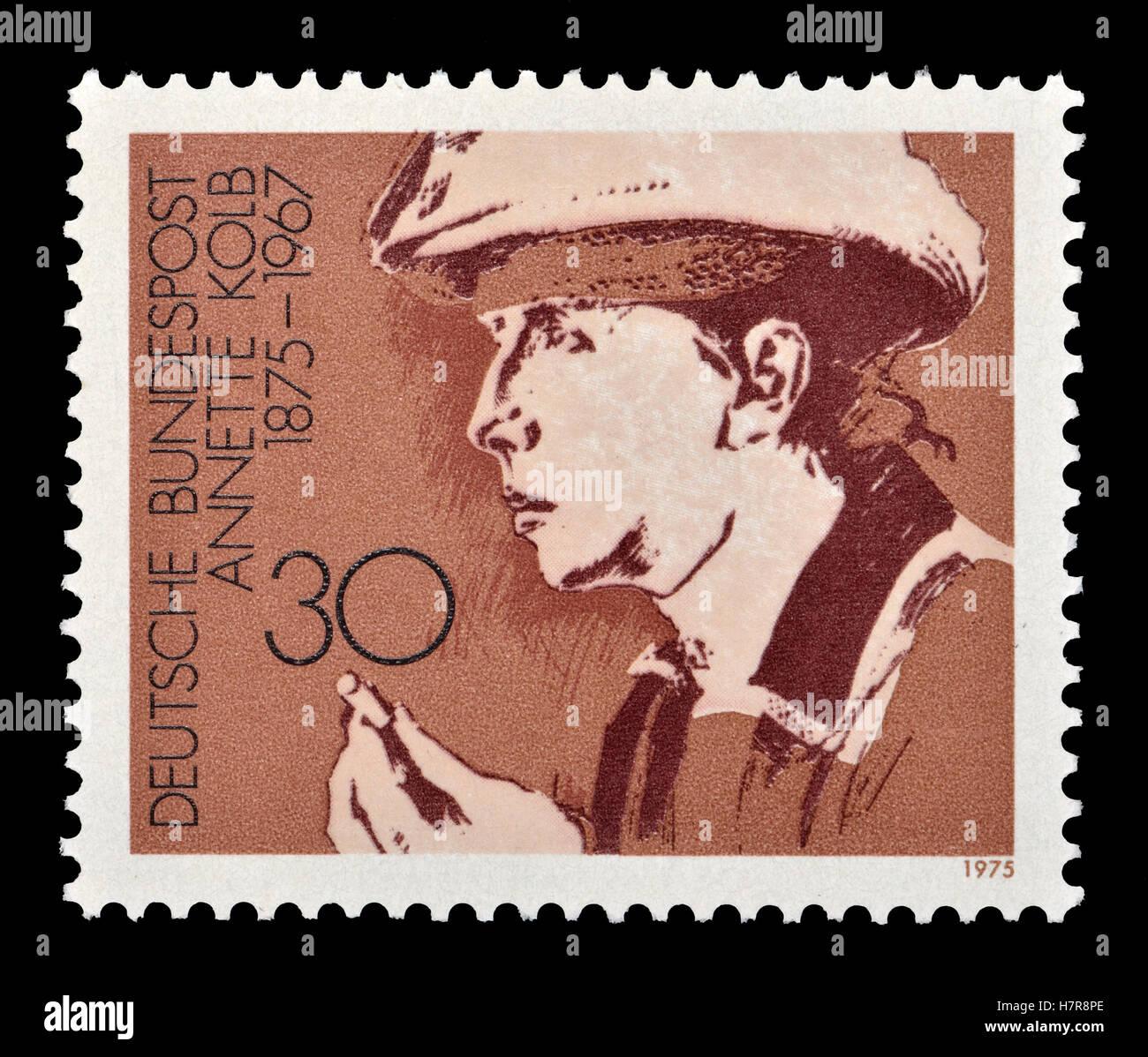 Sello postal alemán (1975) : Annette Kolb / Anna Mathilde Kolb (1875-1967), escritor alemán y pacifista. Imagen De Stock