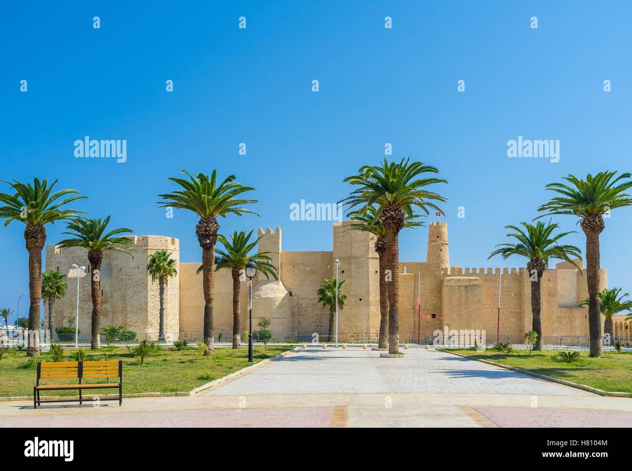 Ribat fortaleza es la tarjeta de visita de Monastir, Túnez. Imagen De Stock