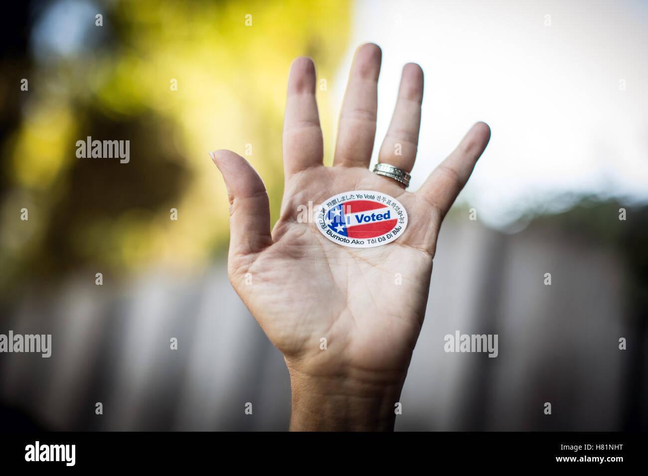 He votado en la pegatina. Imagen De Stock