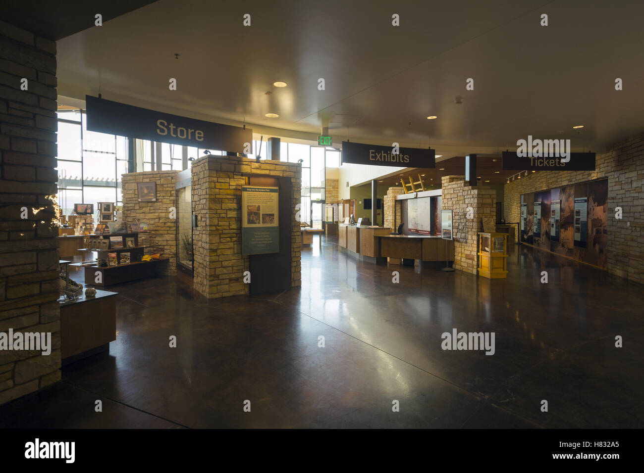 Colorado, el Parque Nacional Mesa Verde, el visitante y el Centro de Investigación Imagen De Stock