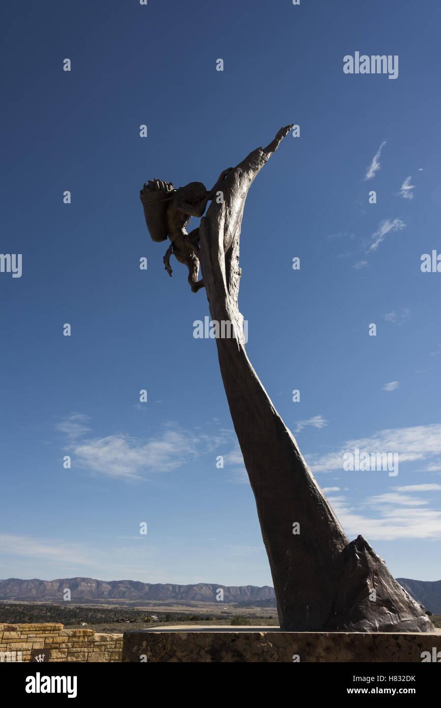 Colorado, el Parque Nacional Mesa Verde, el visitante y el Centro de Investigación, escultura Imagen De Stock