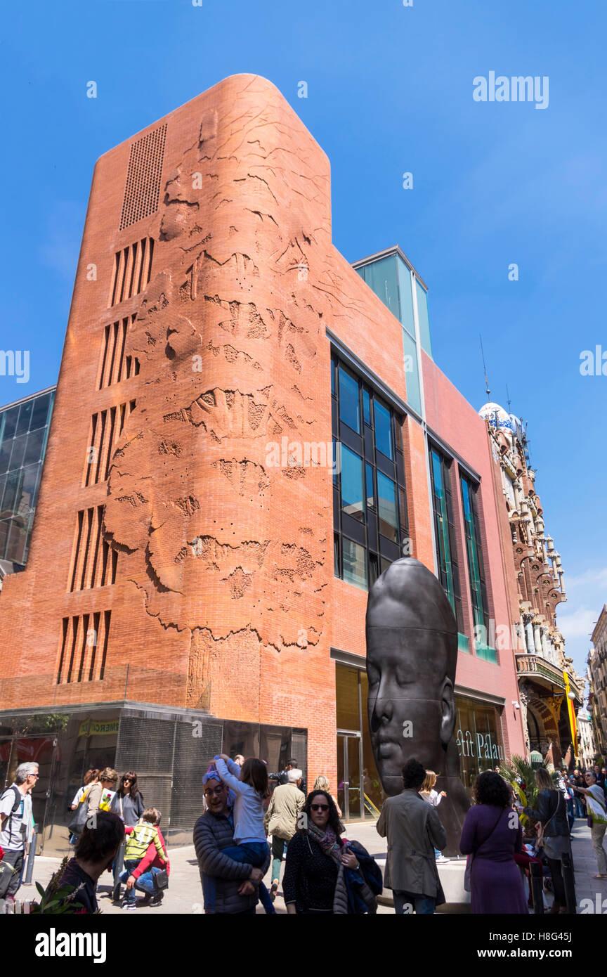 Fachada del Palau de la Música Catalana Concert Hall, un edificio de patrimonio mundial de la UNESCO en Barcelona, Imagen De Stock