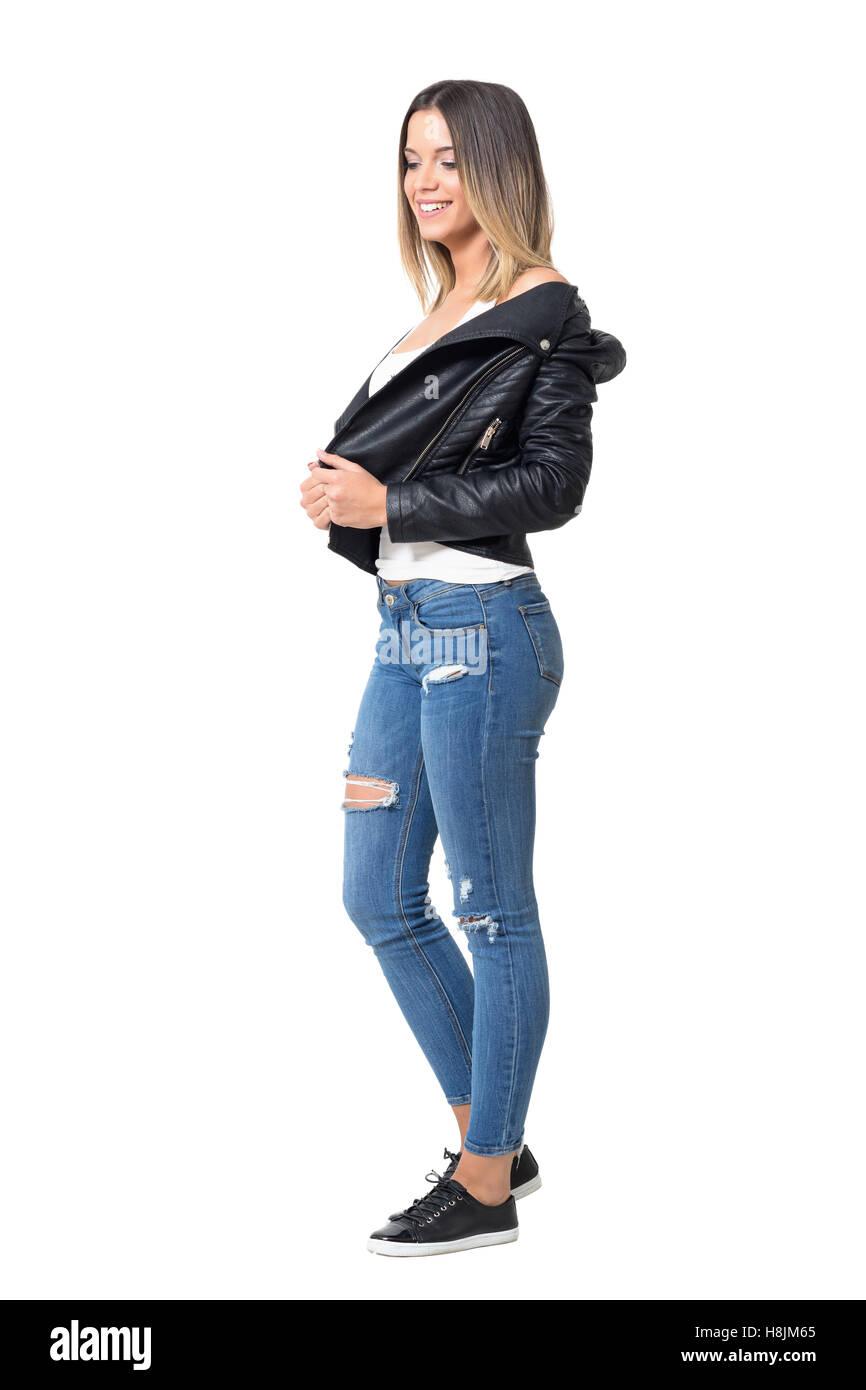 amplia selección Buenos precios comprar Bonita sonrisa tímida niña casual vistiendo chaqueta de ...