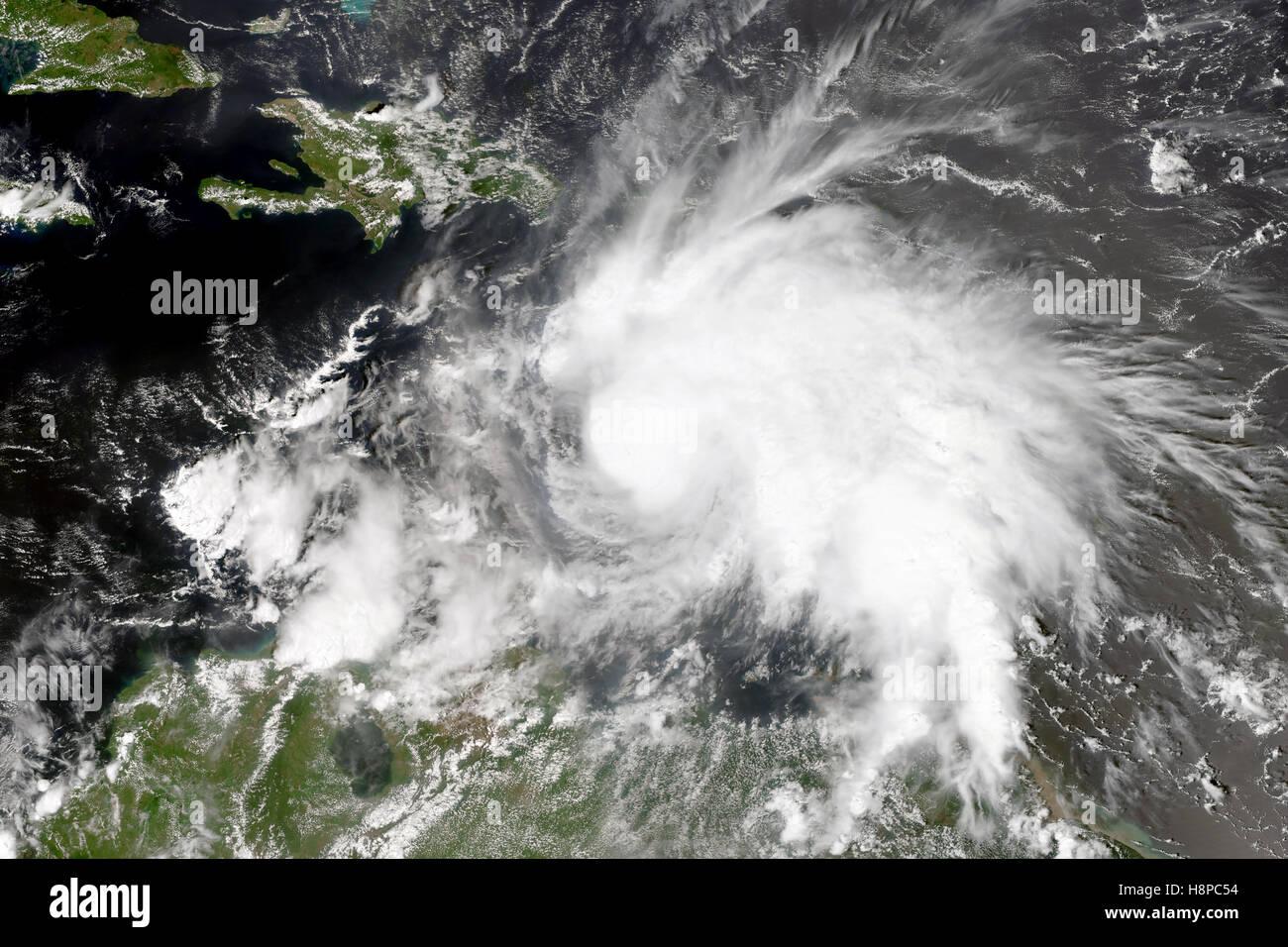 El ciclón tropical en el Mar Caribe. Imagen De Stock
