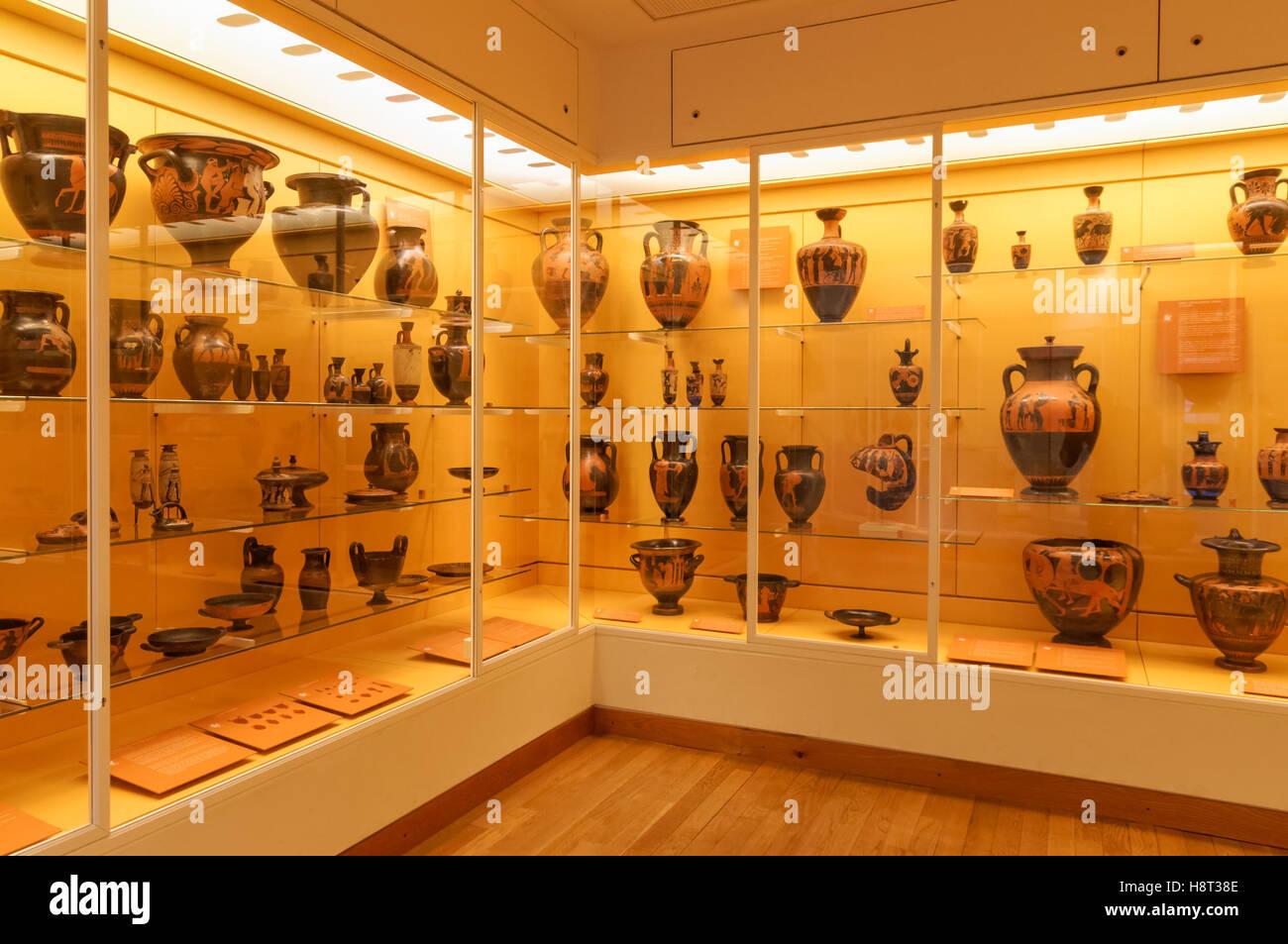 Cerámica griega muestra en el Museo Nacional de Dinamarca en Copenhague, Dinamarca Foto de stock