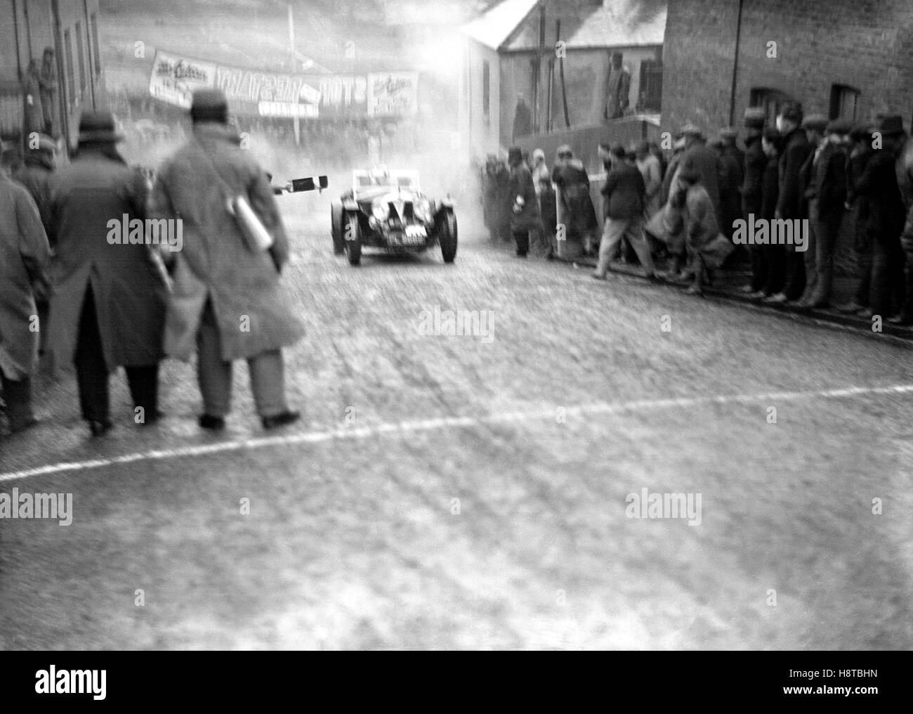 RAC Rally de antes de la guerra deje de reiniciar Imagen De Stock