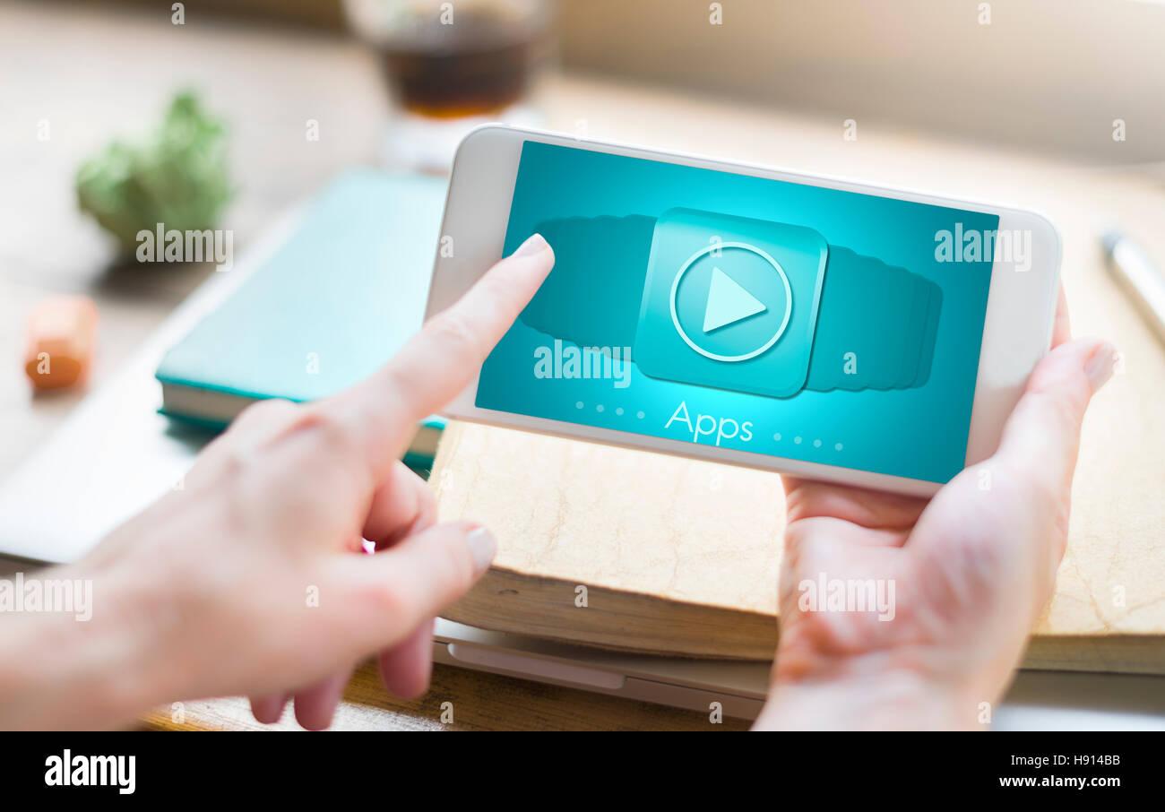 Aplicaciones multimedia dispositivos invención concepto Imagen De Stock