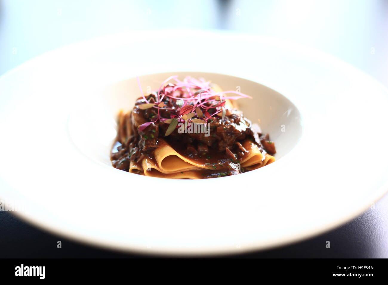 Pappardelle pasta con carne mejillas Imagen De Stock