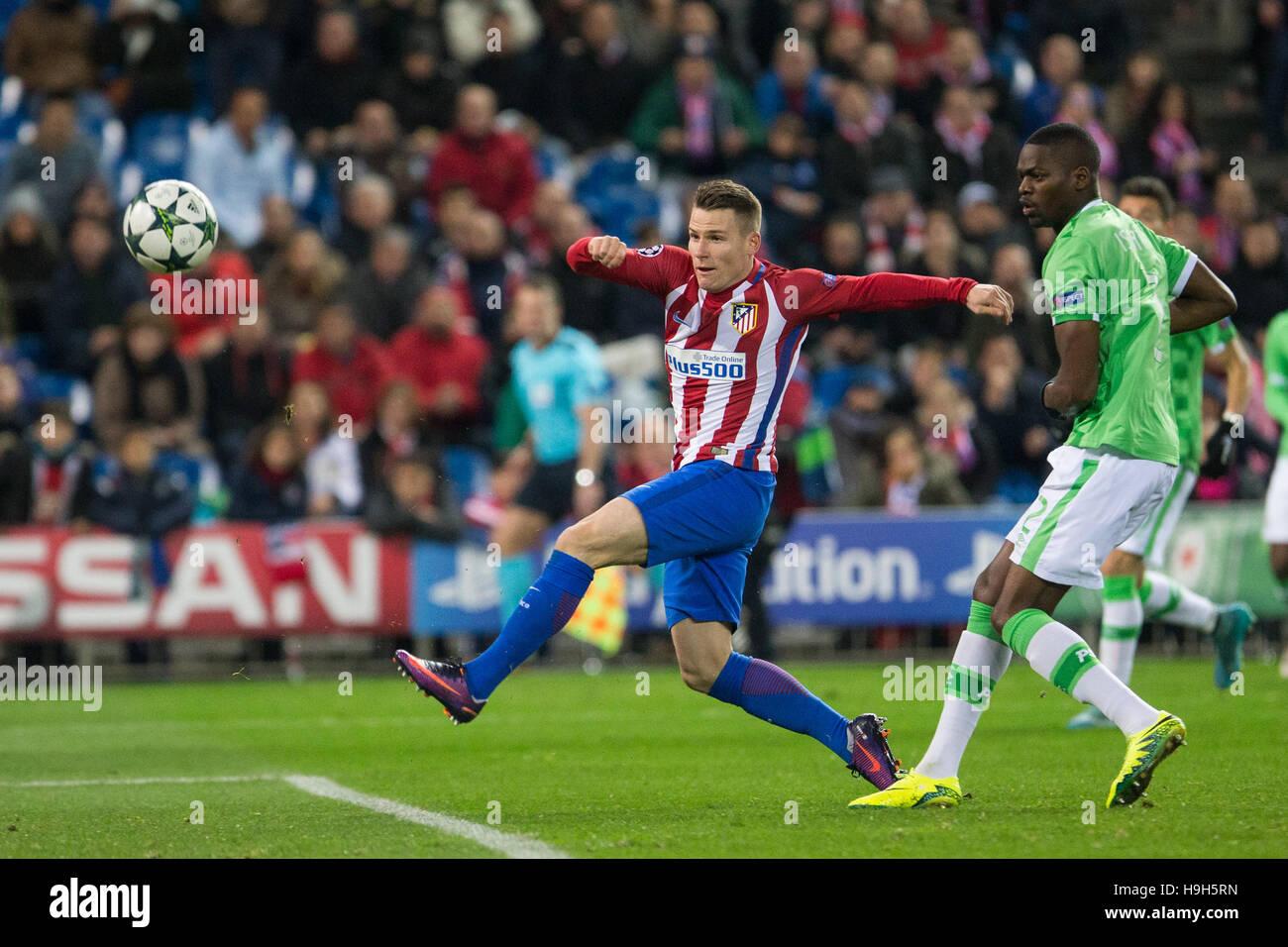 Atletico Madrid avance francés Kevin Gameiro durante el partido de Liga de Campeones de la UEFA entre el Atlético Imagen De Stock