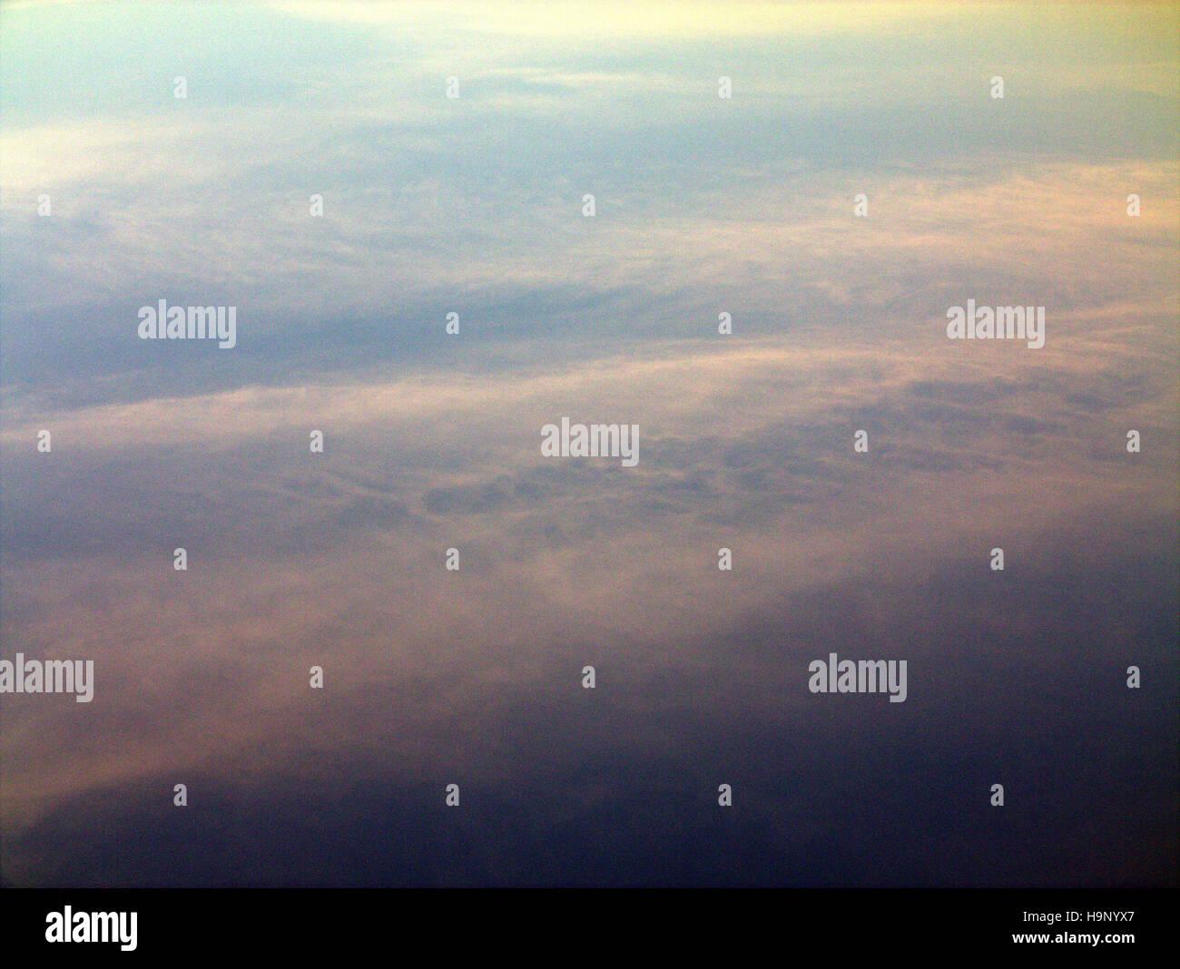 Resumen Antecedentes La nube azul cielo azul Imagen De Stock