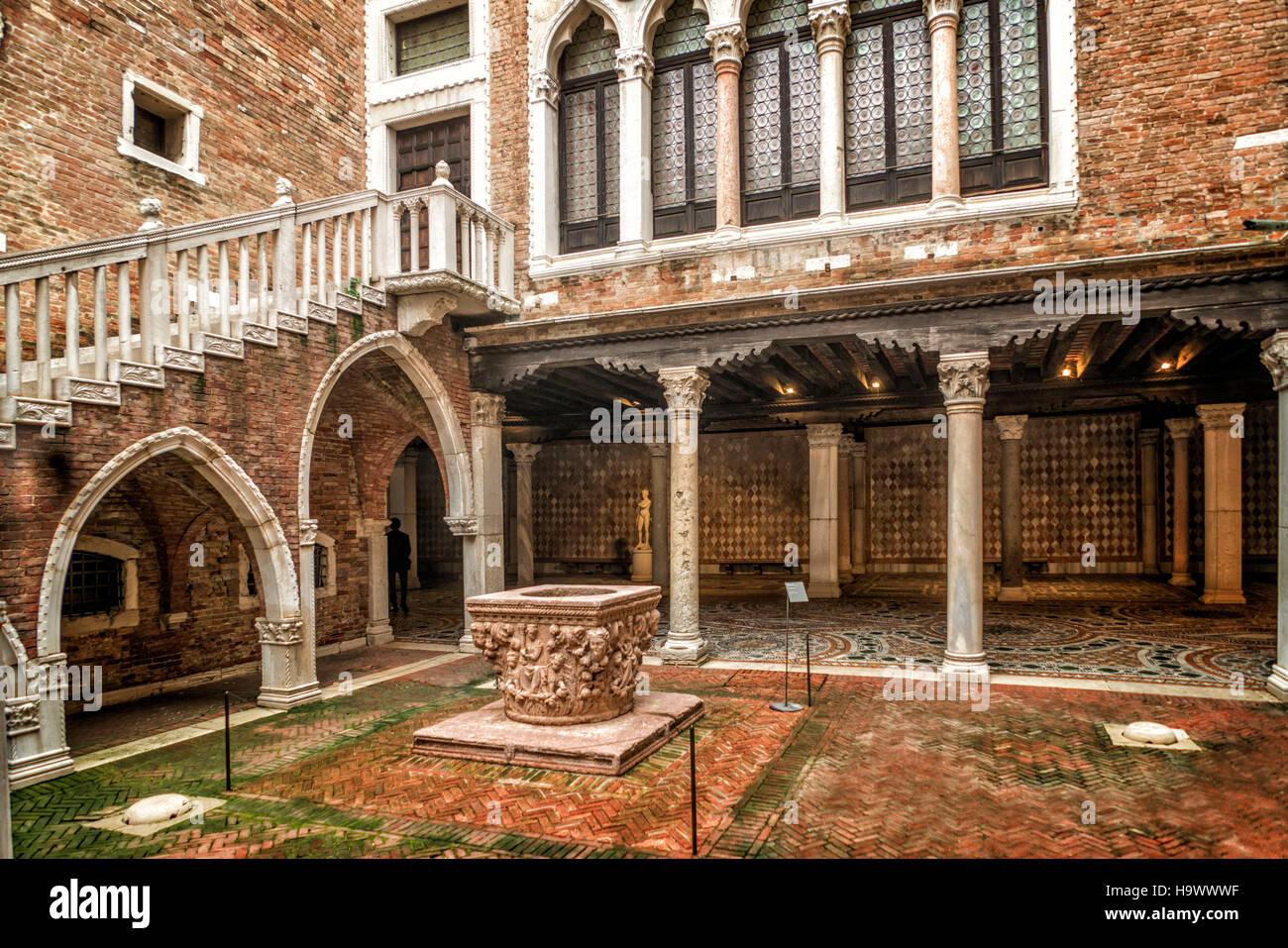 Giogio Galleria Franchetti alla Ca d Oro, Patio, Venedig, Venezia, Venecia, Italia, Europa Imagen De Stock