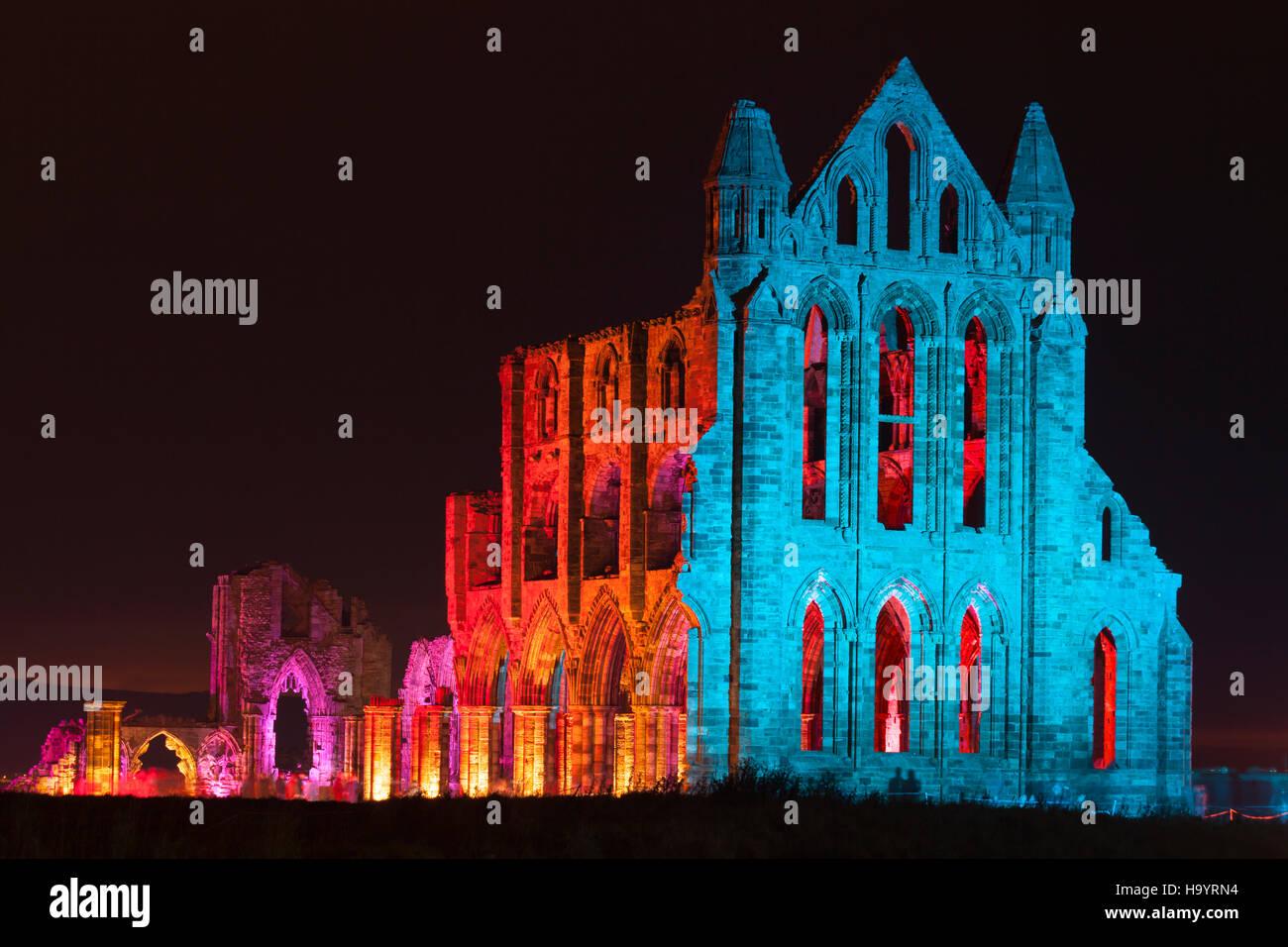 Encendida en Whitby Abbey Imagen De Stock