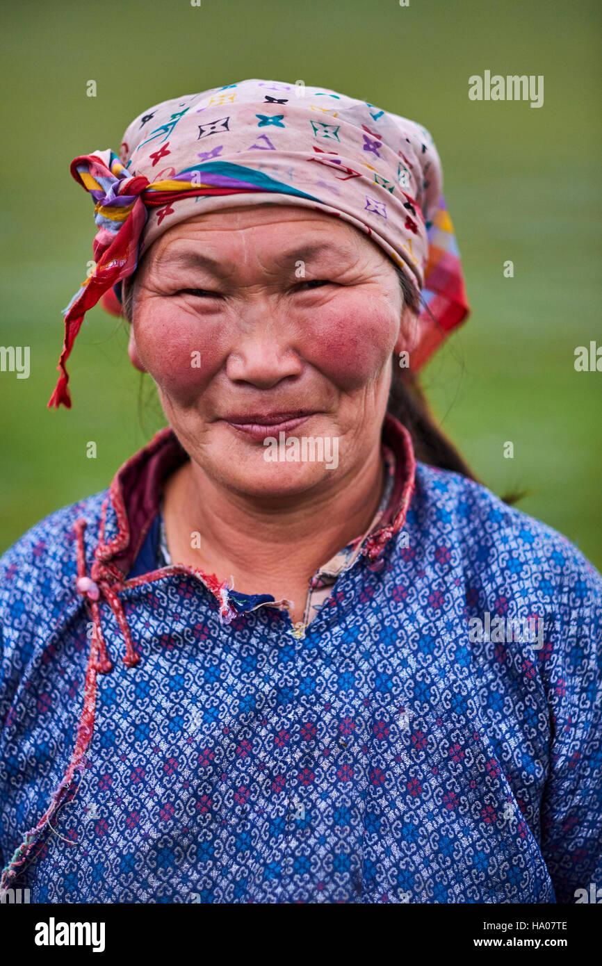 Mongolia, provincia Arkhangai, mujer nómada Imagen De Stock