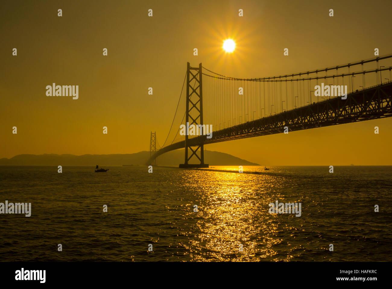 Puente Akashi Kaikyo Japón Hyogo Maiko Foto de stock