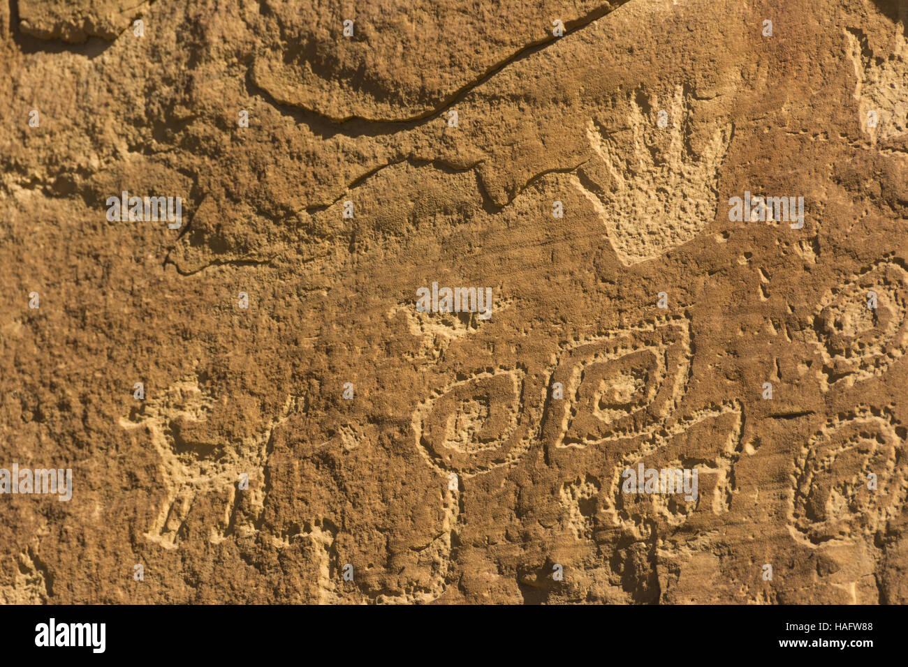 Colorado, el Parque Nacional Mesa Verde, punto de petroglifos Trail, petroglifos Imagen De Stock