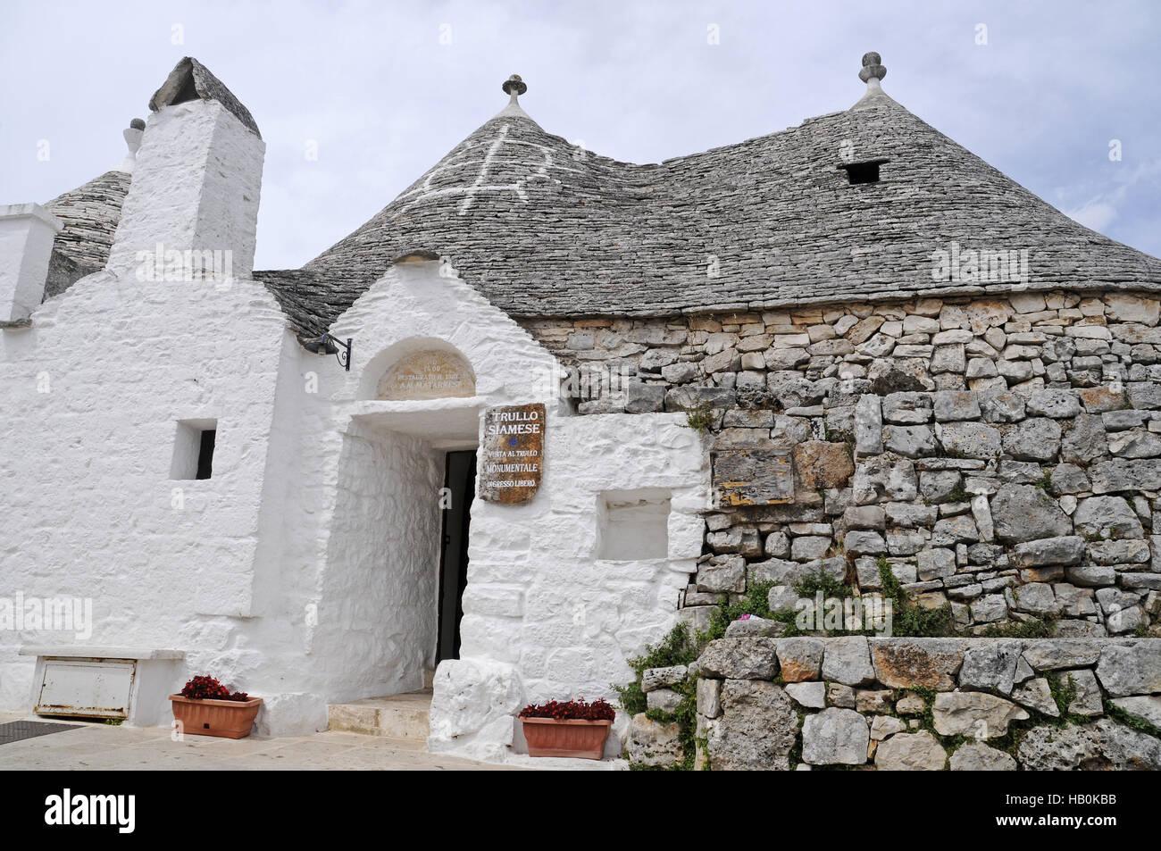 Trullo casas, Alberobello, Puglia, Italia Imagen De Stock
