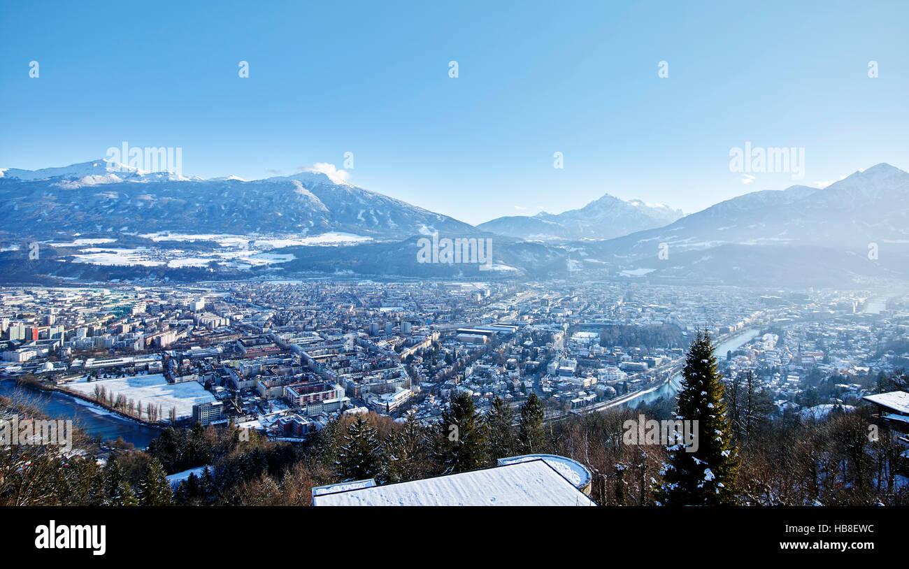 Vista de Innsbruck, Alpes en invierno, Inn, Valle Inn, Innsbruck, Tirol, Austria Foto de stock