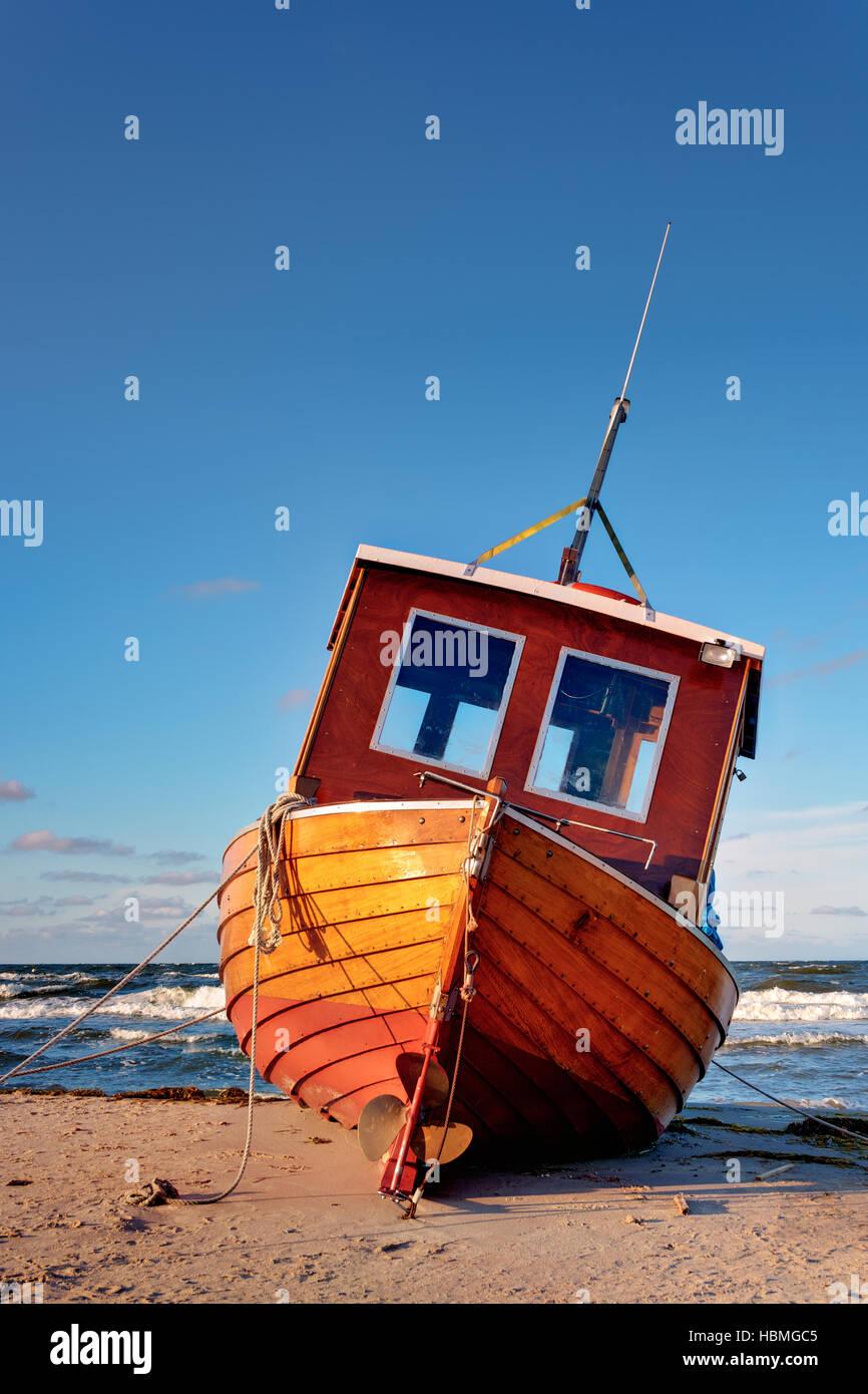 Barco de Pesca del Mar Báltico Foto de stock