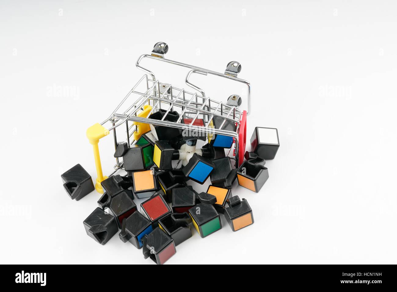Solving Rubic Cube Imagenes De Stock Solving Rubic Cube Fotos De